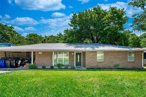 Photo of 1100 S Maurice Avenue, Denison, TX 75020 (MLS # 14353972)
