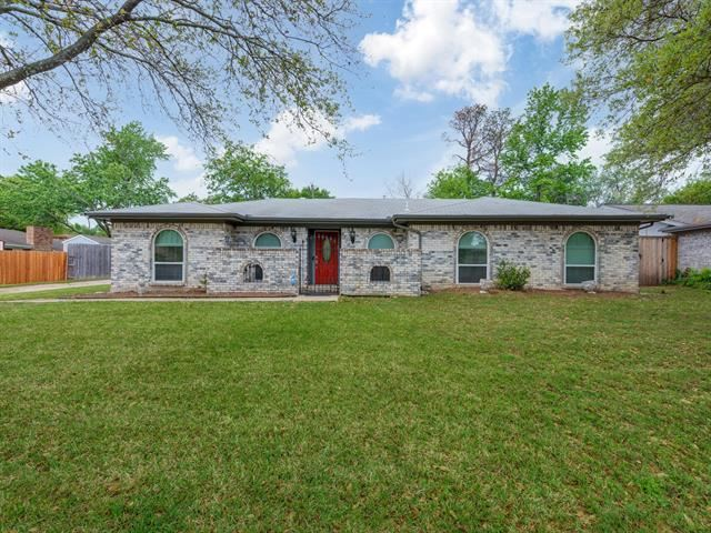 3305 Spring Valley Drive, Bedford, TX 76021 - #: 14555975