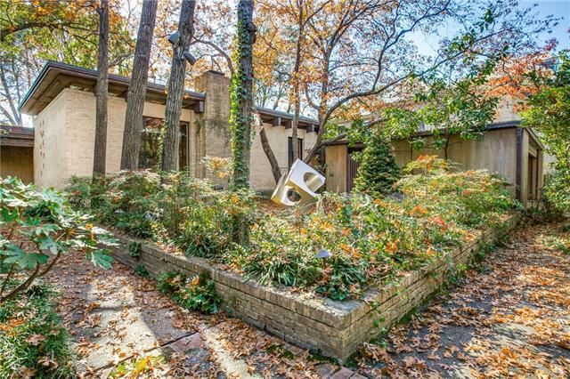 Photo for 3717 Maplewood Avenue, Highland Park, TX 75205 (MLS # 13979976)
