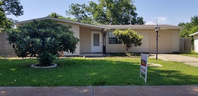 802 E Tucker Boulevard, Arlington, TX 76010 - #: 14345977