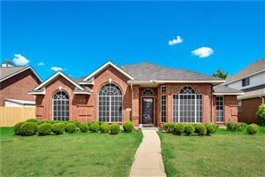 Photo of 2802 Crosslands Drive, Garland, TX 75040 (MLS # 14183978)