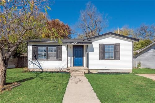 Photo of 1512 W Fuller Avenue, Fort Worth, TX 76115 (MLS # 14477979)