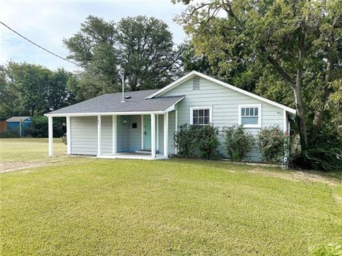 Photo of 547 W Oneal Street, Wills Point, TX 75169 (MLS # 14656981)