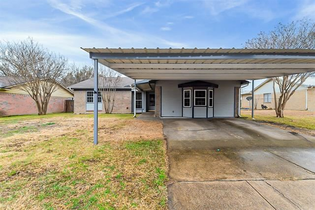 553 Cole Avenue, Saginaw, TX 76179 - #: 14504981