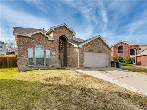 Photo of 400 Westmere Court, Fort Worth, TX 76108 (MLS # 14238982)