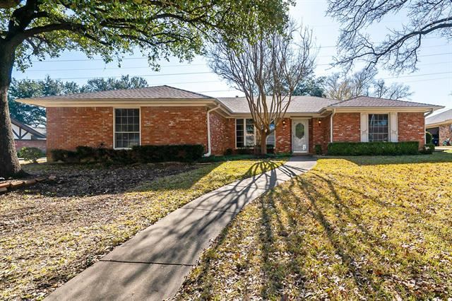 1704 Russwood Drive, Arlington, TX 76012 - #: 14507983
