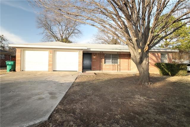 Photo for 708 E Liberty Street, Pilot Point, TX 76258 (MLS # 13754984)