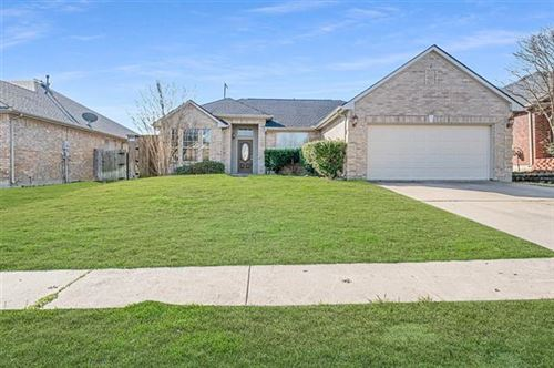 Photo of 420 Via Sevilla, Mesquite, TX 75150 (MLS # 14260986)