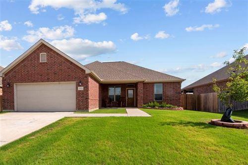 Photo of 5002 Lakepark Drive, Sanger, TX 76266 (MLS # 14618987)