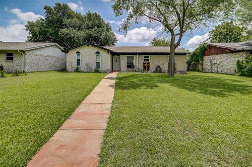 Photo of 806 Longbeach Drive, Garland, TX 75043 (MLS # 14377989)