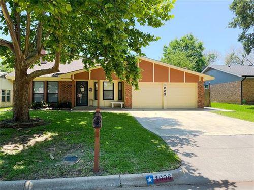 Photo of 1008 Kay Lynn Street, Mansfield, TX 76063 (MLS # 14599990)