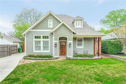 Photo of 511 E Franklin Street, Grapevine, TX 76051 (MLS # 14238992)