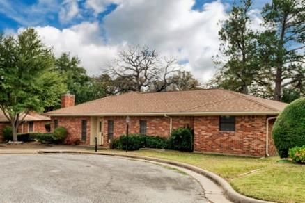 Photo of 105 Cluster Drive, Mineral Wells, TX 76067 (MLS # 14470994)