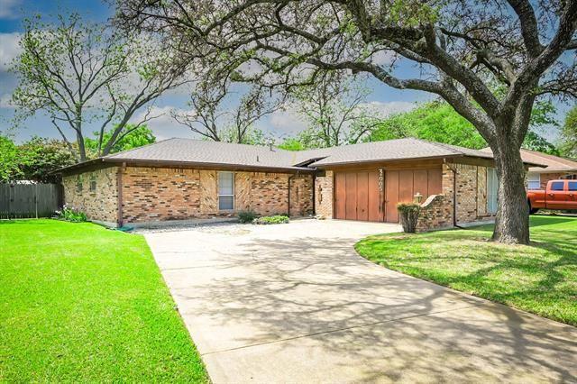 2005 Cliffside Drive, Edgecliff Village, TX 76134 - #: 14552998