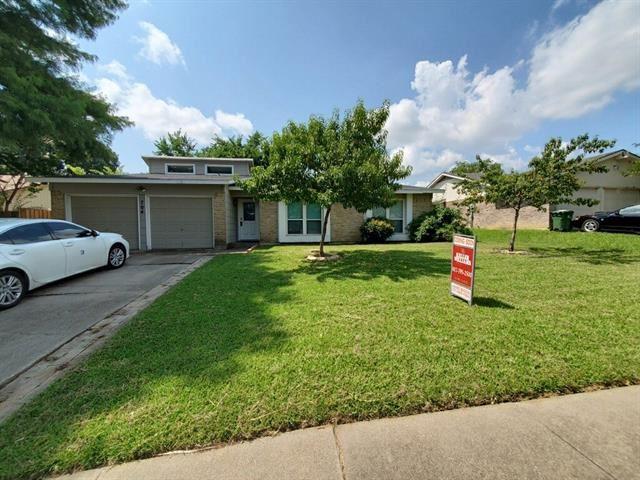 704 E Williamsburg Manor, Arlington, TX 76014 - #: 14630998