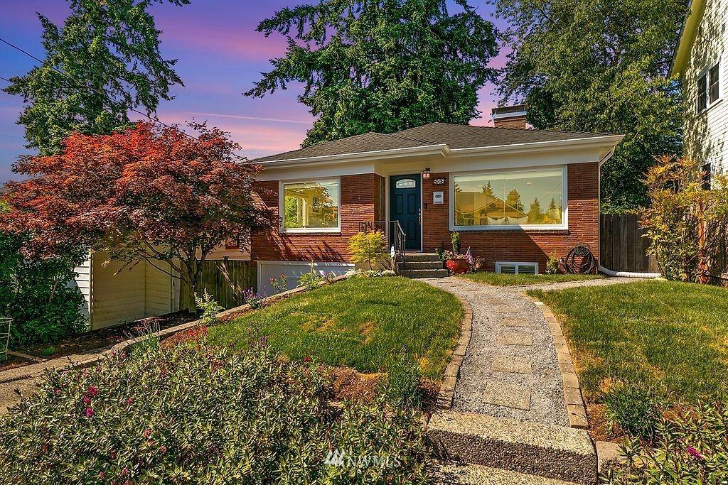 Photo of 516 NE 91st Street, Seattle, WA 98115 (MLS # 1785000)