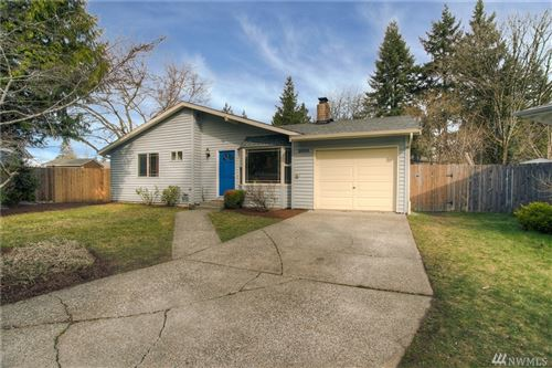 Photo of 9106 NE 138th Place, Kirkland, WA 98034 (MLS # 1566009)