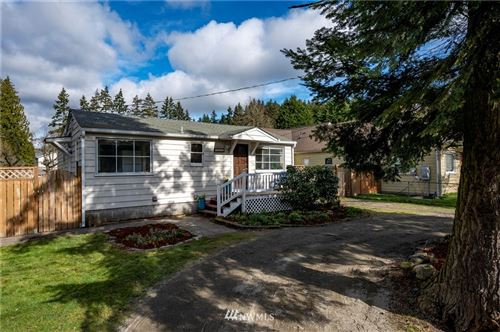 Photo of 1732 NE 148th Street, Shoreline, WA 98155 (MLS # 1733009)