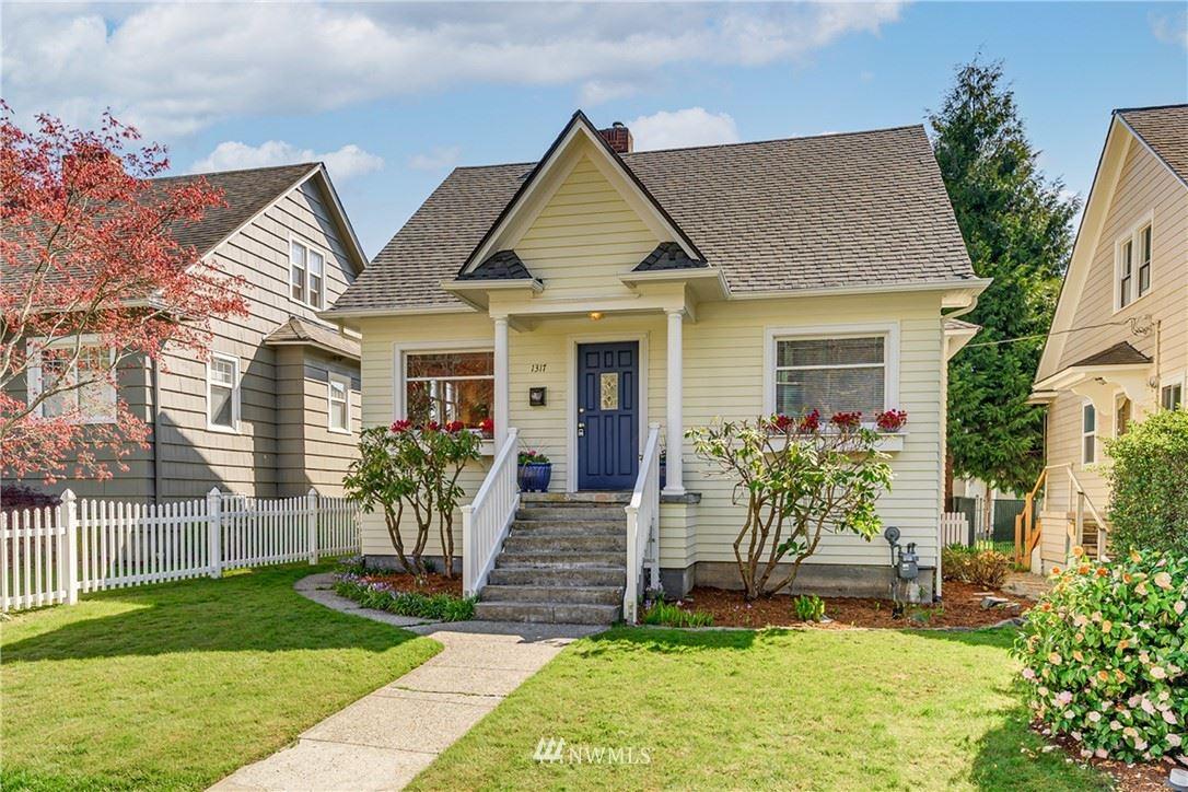 Photo of 1317 Oakes Avenue, Everett, WA 98201 (MLS # 1760010)