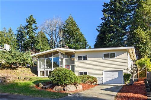 Photo of 10642 Alton Place NE, Seattle, WA 98125 (MLS # 1695011)