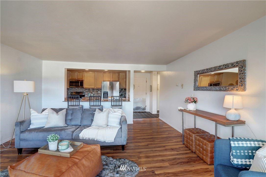 Photo of 949 N 35th St #401, Seattle, WA 98103 (MLS # 1786013)