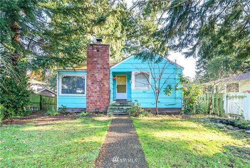 Photo of 16718 Linden Avenue N, Shoreline, WA 98133 (MLS # 1694016)