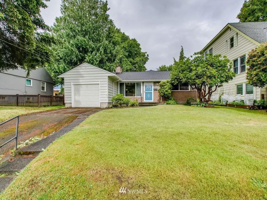 Photo of 8811 Ashworth Avenue N, Seattle, WA 98103 (MLS # 1792020)