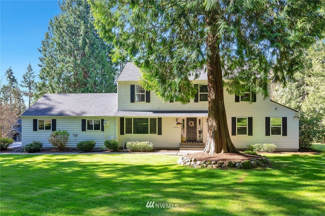 Photo of 12017 210th Place SE, Issaquah, WA 98027 (MLS # 1754023)