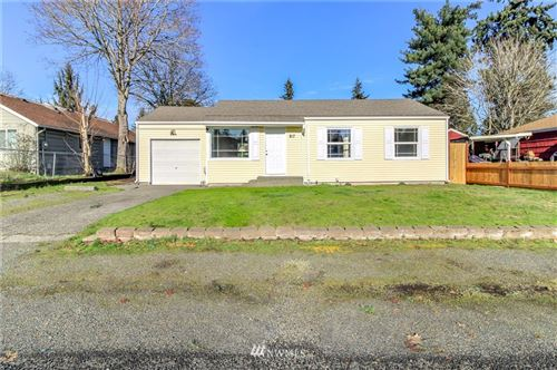 Photo of 817 114th Street S, Tacoma, WA 98444 (MLS # 1718031)