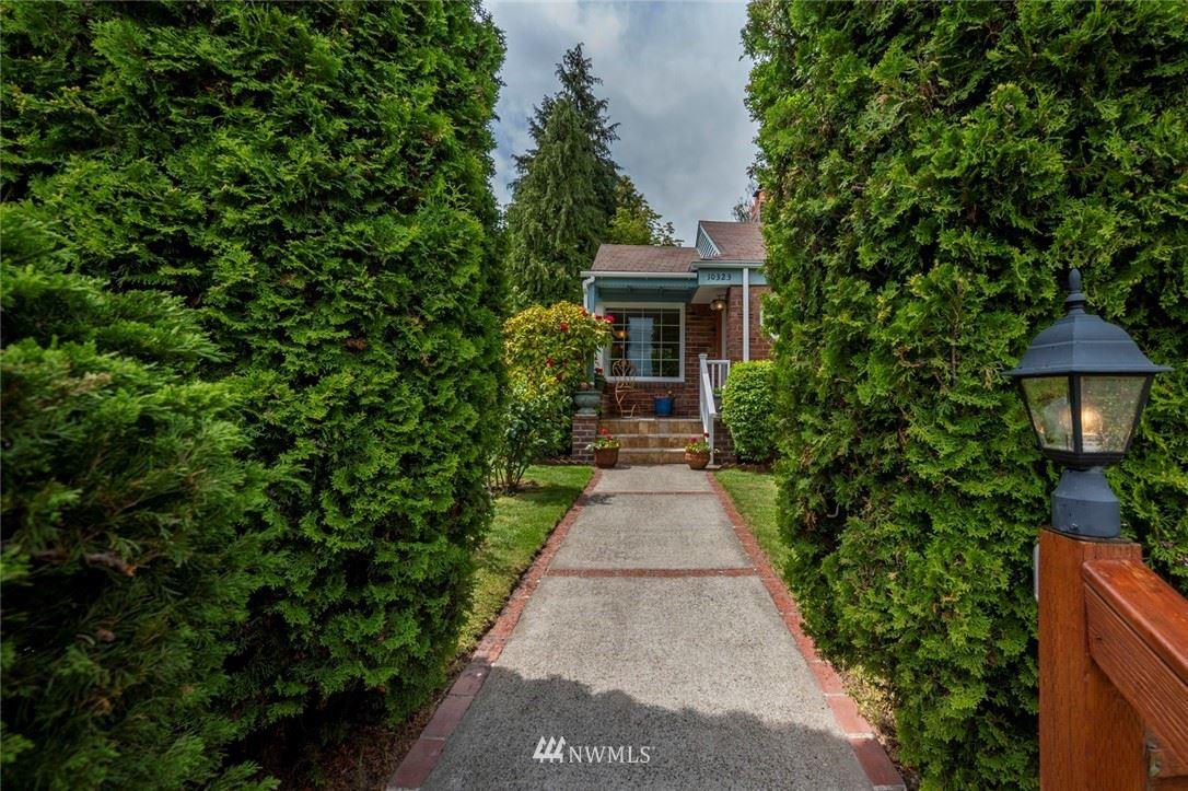 Photo of 10323 11th Avenue NW, Seattle, WA 98177 (MLS # 1777031)