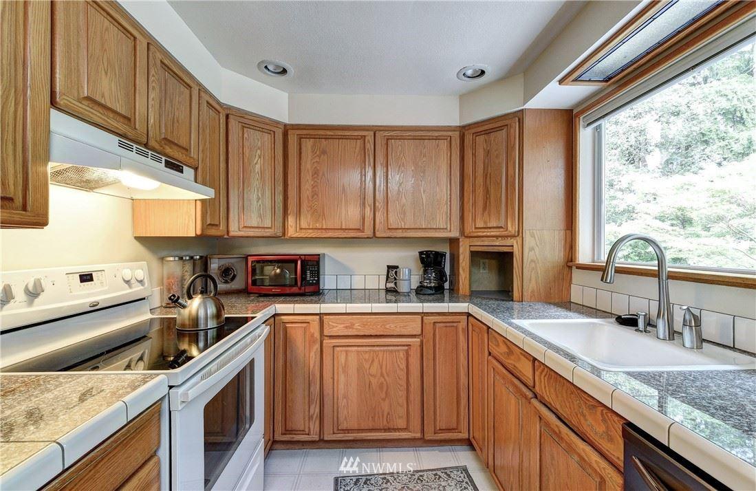 Photo of 1322 165th Avenue NE, Bellevue, WA 98008 (MLS # 1790031)