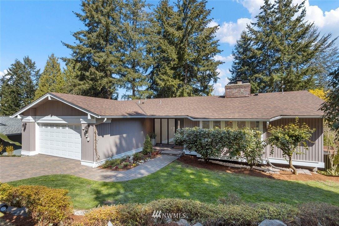 Photo of 4520 145th Avenue SE, Bellevue, WA 98006 (MLS # 1754032)