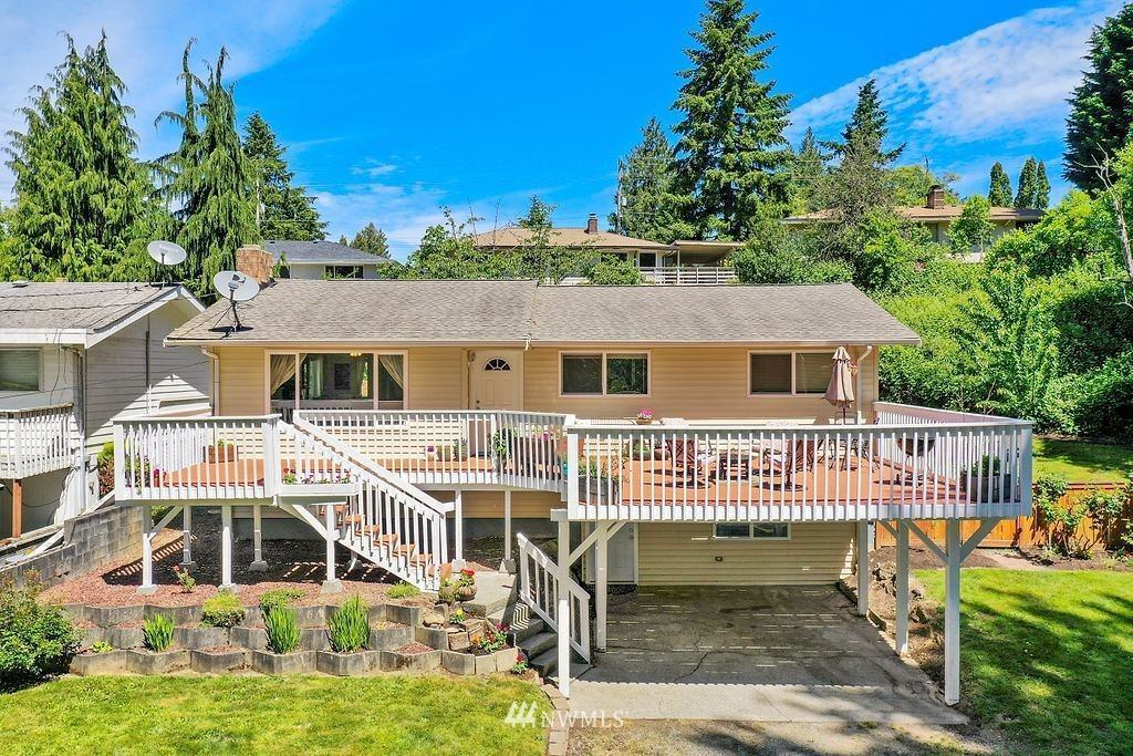 Photo of 11263 Renton Ave S, Seattle, WA 98178 (MLS # 1789032)