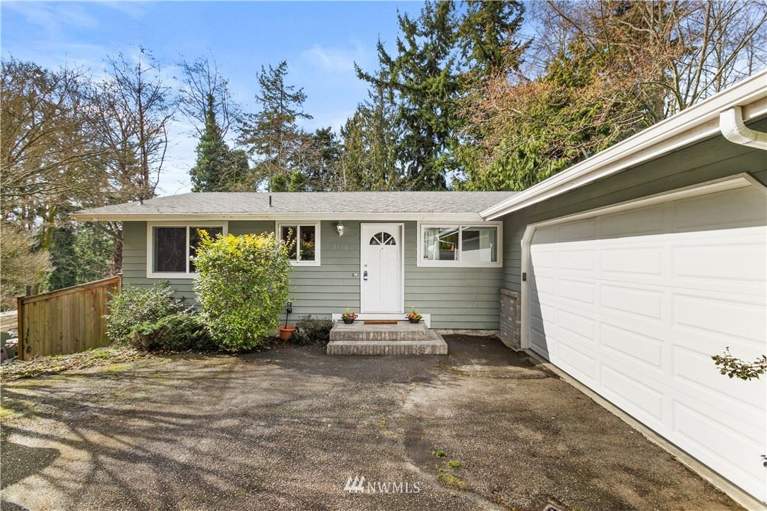 Photo of 1950 S 299th Place, Federal Way, WA 98003 (MLS # 1734034)