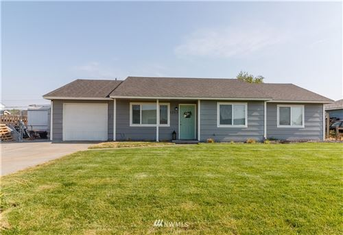 Photo of 1212 Arnold Drive, Moses Lake, WA 98837 (MLS # 1666035)