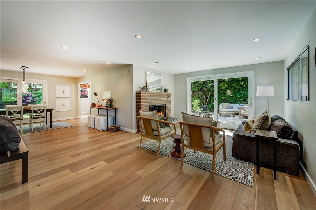 Photo of 9610 7th Avenue NE, Seattle, WA 98115 (MLS # 1778036)