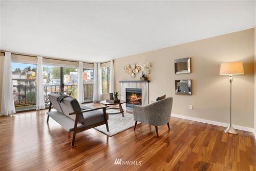 Photo of 550 Aloha Street #406, Seattle, WA 98109 (MLS # 1683039)
