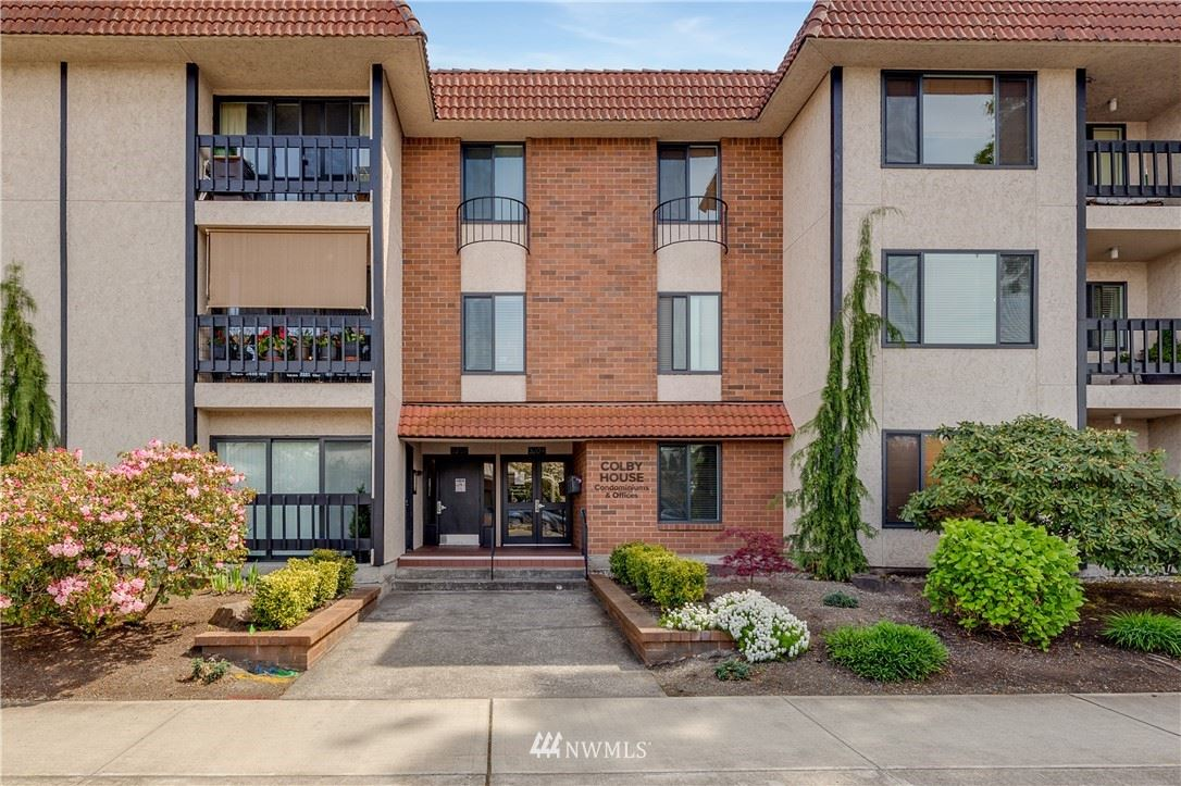 Photo of 3207 Colby Avenue #303, Everett, WA 98201 (MLS # 1765039)