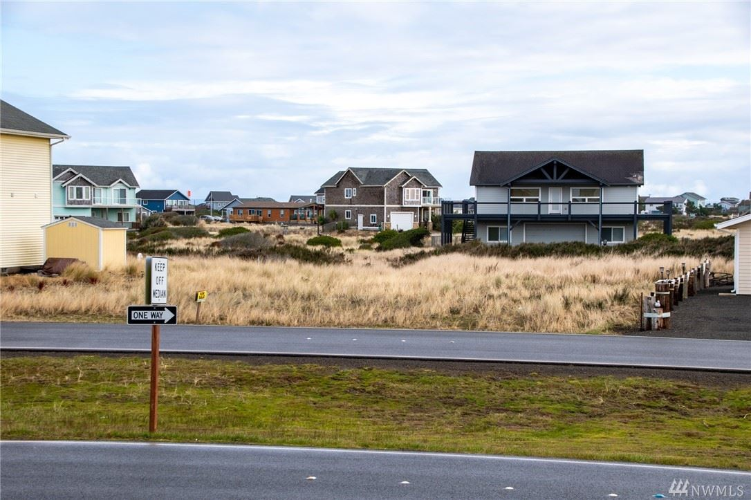Photo of 1408 Ocean Shores Blvd, Ocean Shores, WA 98569 (MLS # 1566040)