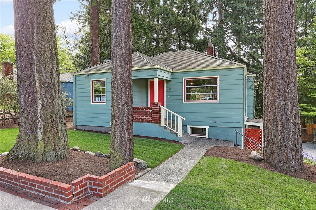 Photo of 1535 NE 107th Street, Seattle, WA 98125 (MLS # 1768042)