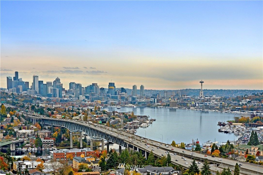 Photo of 4540 8th Avenue NE #602, Seattle, WA 98105 (MLS # 1779045)