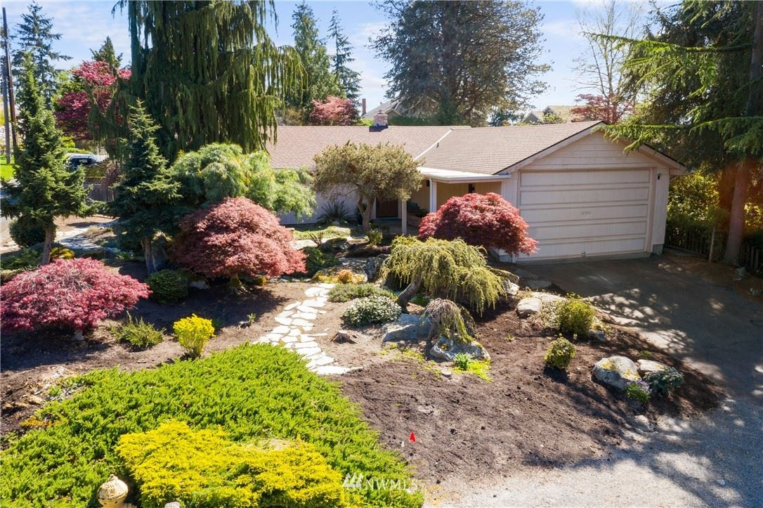 Photo of 12552 39th Avenue NE, Seattle, WA 98125 (MLS # 1762046)