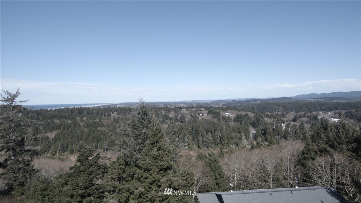 Photo of 21 xx Wecoma Place SW, Ilwaco, WA 98624 (MLS # 1575047)