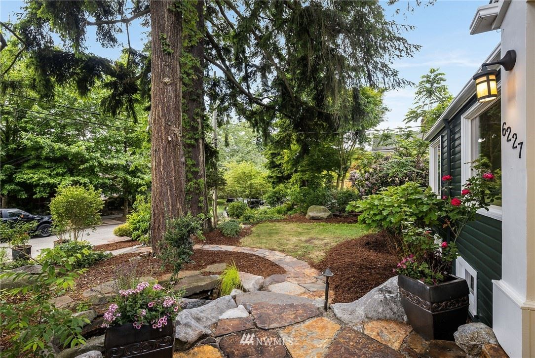Photo of 6227 36th Avenue NE, Seattle, WA 98115 (MLS # 1794050)