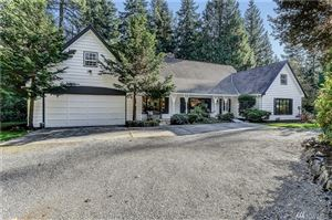 Photo of 25413 SE Mirrormont Dr, Issaquah, WA 98027 (MLS # 1527051)