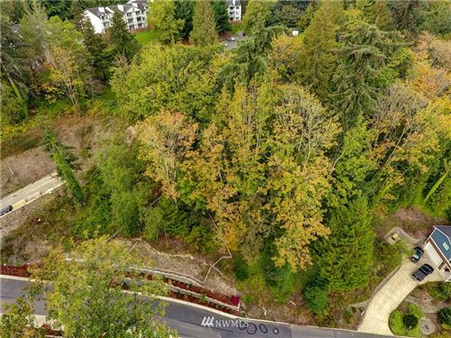 Photo of 3701 163rd Ave SE, Bellevue, WA 98008 (MLS # 1678051)