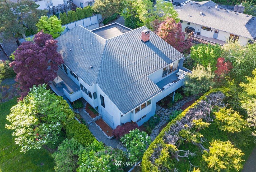 Photo of 7530 58th Avenue NE, Seattle, WA 98115 (MLS # 1768054)