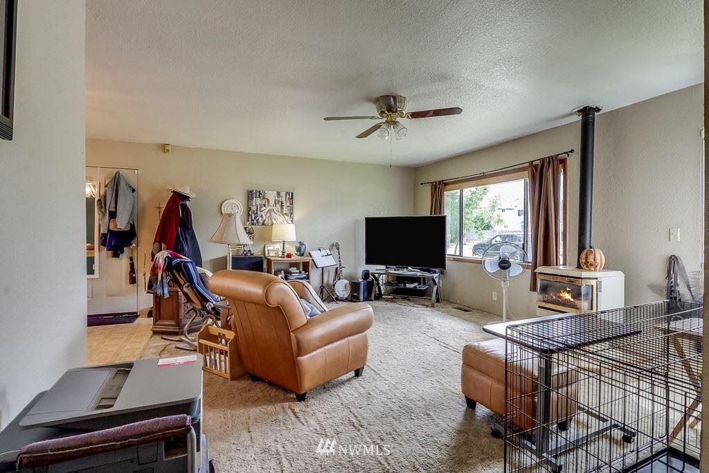 Photo of 107 4th Avenue SE, Pacific, WA 98047 (MLS # 1782055)