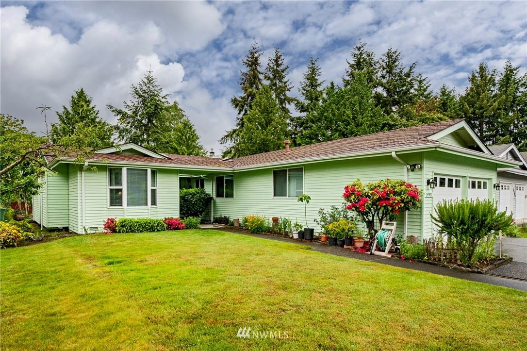 Photo of 24421 9th Place S, Des Moines, WA 98198 (MLS # 1780057)