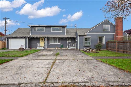 Photo of 1005 20th Avenue, Longview, WA 98632 (MLS # 1856058)